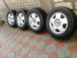 Complet de roti de iarna r /17se vind anvelopele și aparte