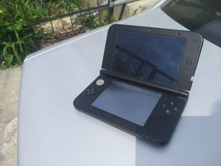 Продам или обмен на PS Vita портативную игровую консоль Nintendo 3DS XL