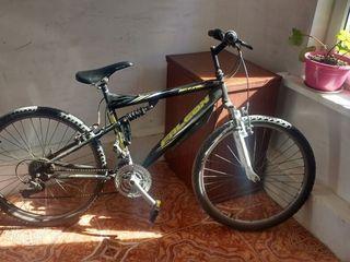 Bicicleta 990 lei