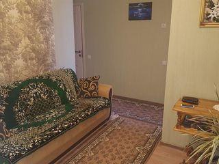 Apartament cu 3 odăi - urgent se vinde în or. Glodeni