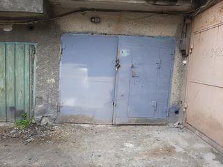 Продам сухои гараж с подвалом.