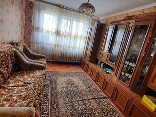 Spre vînzare apartament cu trei odai situat pe str.Dacia !