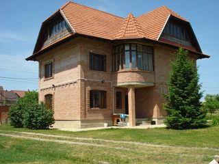 2-эт.кирпичный дом на 24 сотках в центре сел.Ниморень