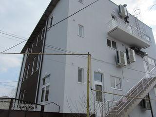 Сдаю 192-384-576кв.м. под комерцию, офис, бизнес, производство, на первой линии в центре г. Страшены