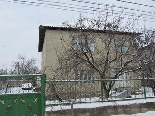 2-ух этажный котельцовый дом 110кв.м. на 6 соток земли в с. Порумбень рядом с Крикова