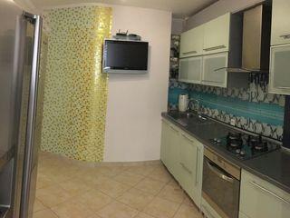 Продам 3-х комнатную квартиру на чеканах-143 серия -от собственника ул.мирча чел бэтрын