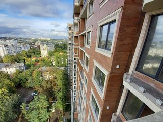 3 camere separate , Bloc nou , podea caldă , Cărămidă , Sec. Botanica , Parc , De la constructor !!