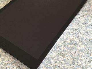 Apple IPad Air 16Gb + Wi-Fi [A1474 space gray] - идеал 220euro!