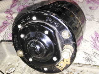 Мотор отопителя салона МЭ226-Е 24/40  характеристика: Мощность - Вт40, Напряжение - 24B.