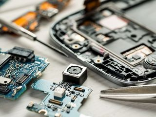Ремонт телефонов, Замена стёкол, батарей Reparatie