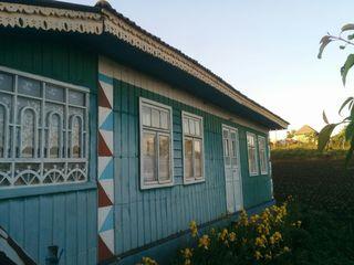 Продается дом возле озера.