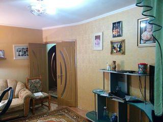 Se vinde apartament cu 3 odăi în orașul Rezina. 90m2