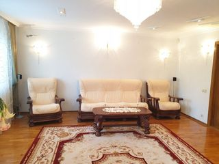 Botanica/ apartament de lux in 2 nivele la super pret// 160m2//