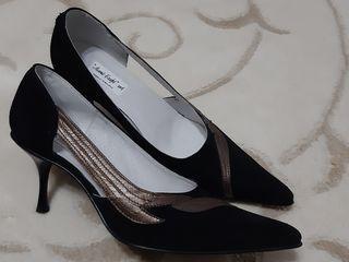 Новые! Замшевые чёрные туфли