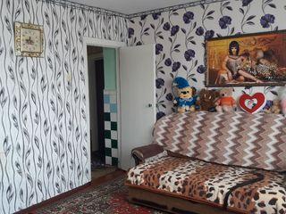 Продаем квартиру в Хынчештах в районе Комарово
