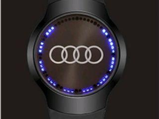 Часы Audi Touch и Mercedes-Benz и Emporio Armani