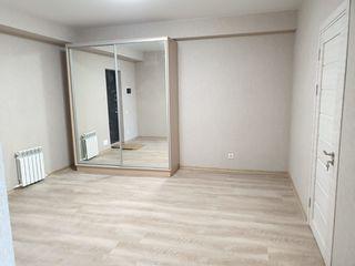 Vinzare apartament cu 1 camera in bloc nou cu reparatie in sect. Centru, str. Sprincenoaia