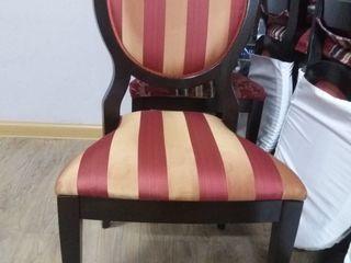Продается ухоженная мебель для кафе и ресторанов стол,стулья,тумбы,кресла
