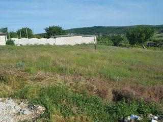 Vind urgent teren de construcție cu toate comunitățile schimb pe auto ,sau garaj in Chișinău