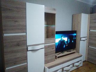 Продается   3-х комнатная квартира,  можно с мебелью. Цена договорная. + 3 балконa, + общий коридор