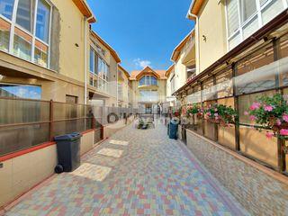 Apartament 4 camere, 81 mp, Grătiești str. Alba Iulia 33900 €