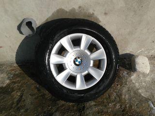 Discuri BMW tot cu Cauciucuri R15 205/65 starea perfecta !!!