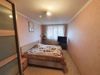 Apartament in Ialoveni,et 3 din 5,euroreparatie.Pret 43500 euro.