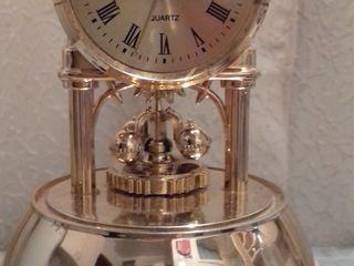 Diverse ceasuri  de perete,de masa-desteptator-suvenire,toate functioniaza perfect,de maina,tablouri