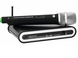 Vind radio microfon (1 baza + 2 microfoane) si (1 baza + 1 microfon). Nou in cutie