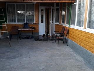 Se vinde casa in stare foafte buna tot cu mobila cu tehnica  .Gazificata ,canalizare ,bae, bucatarie