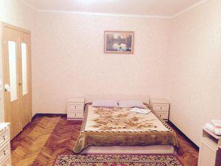 Apartament in chirie 50 lei ora - 300 noaptea.Сдаю квартиру посуточно 50 лей час