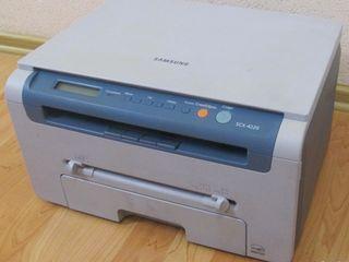 МФУ Samsung SCX-4220 3 в 1  по супер цене