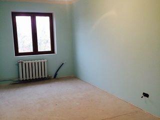 3-комнатная середина, солнечная сторона, стеклопакеты, 1-поликлиника