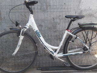 Bicicleta de la 9 ani . Велосипед с 9 лет