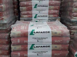 Ciment Lafarge.