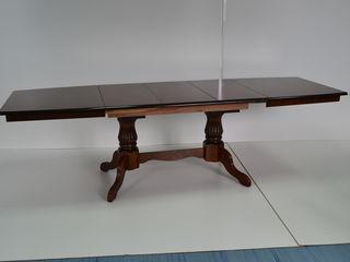 Стол в 3 сложения новый, производство Малайзия. 3390 лей.