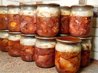 Мясные заготовки из домашней свинины.