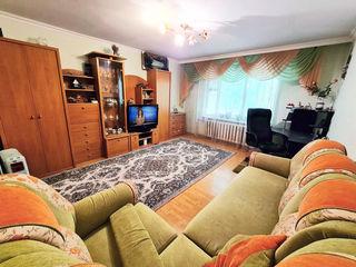 Apart cu 2 camere 60mp + Garaj, etajul 1, str. Costiujeni 3/2 (Proprietar)