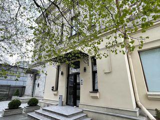 Apartament pe str. Pircalab 77, clădire istorică, Hotel Jazz, Hotel Radisson, Teatrul Cehov, LUKOIL