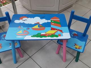 Набор детской мебели столик и два стульчика новые 599 лей.