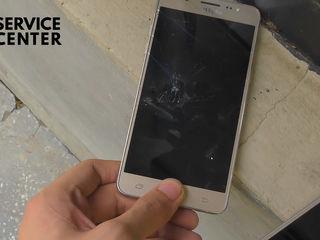 Samsung Galaxy J5 2016 (J510) De ai spart ecranul telefonului – vino la noi si te vom ajuta!