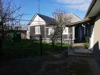 Se vinde casă în s. Băhrinești, r. Florești
