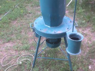 Измельчитель-Шмель для зерна и сена или соломы.Или меняю на дрова.Меняю на .