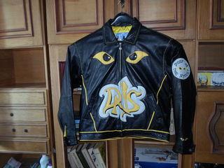 Специальная  фирменная куртка  для  рокера ( мото)
