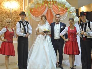 Dansatori,dansatori la ceremonii,dansatori la nunti,nunta,dansul mirilor,dansatori la evenimente