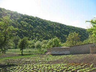 Se vinde lot sub constructie Orheiul Vechi, Trebujeni!