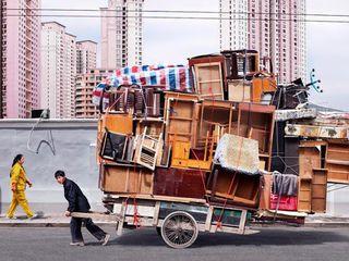 Приму в дар вывезу бесплатно ненужную  мебель