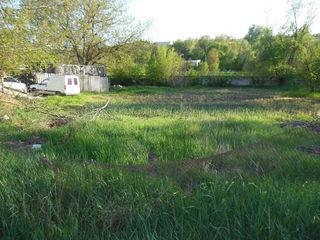 Земельныё участок 17  соток  в Яловенах