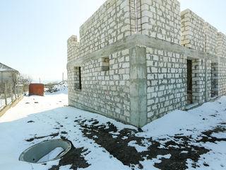 Duplex 10x16m Floreni, Asfalt, Toate comunicatiile