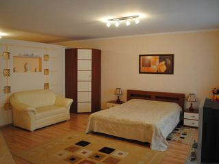 Chirie apartament , linga Hotelul National, str. Negruzzi 330 €
